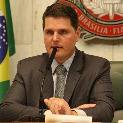 @cauemacris