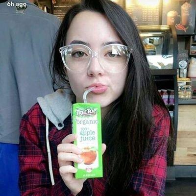 anne (@plasticlee) Twitter profile photo