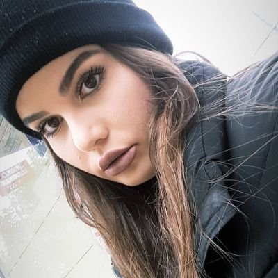 Laura Castaño 🌸 (@laurrcm) Twitter profile photo