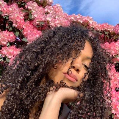 Curls (@ElizabethRach) Twitter profile photo