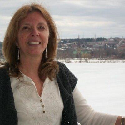 Wendy Robbins Net Worth