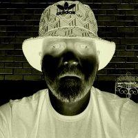 whovelaz (@whovelaz) Twitter profile photo