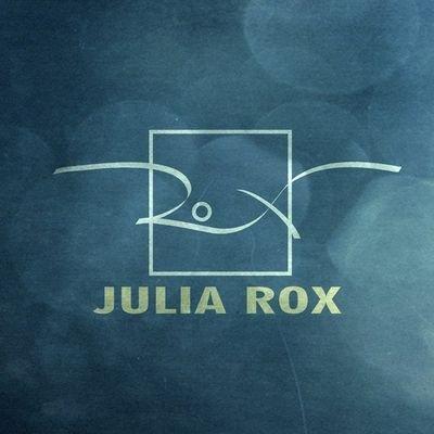Julia Rox (@JuliaRox_says)