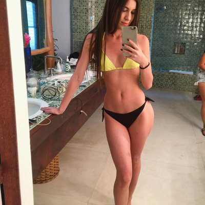 patada de bikini en las bolas