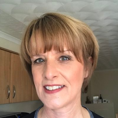 Lorraine (@largslorry) Twitter profile photo