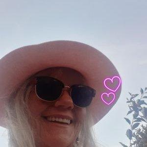 Pennylynette (@Pennylynette1) Twitter profile photo