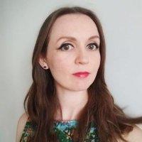 Chloe Douglass @chloillustrates Profile Image
