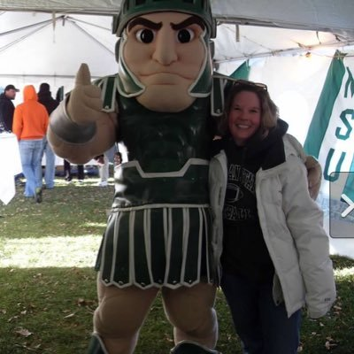 Michigan State grad, middle school Computers teacher, and official NWS weather spotter. Go Green!