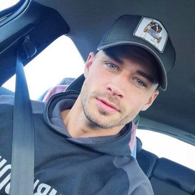 Benjamin G (@Benjami38046237) Twitter profile photo