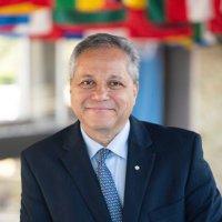 Dr. Peter A Singer, OC (@PeterASinger) Twitter profile photo