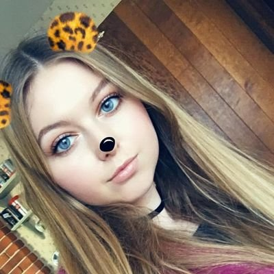 Lizzie (@Lizzie70300036) Twitter profile photo