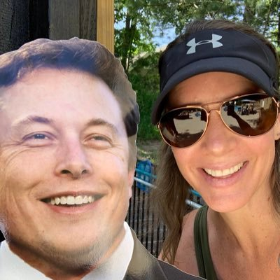 Wife. Mother. Tesla and SpaceX lover. Model 3 owner. Elon Musk fan girl. Long $TSLA🪑holder
