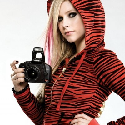 Frases Avril Lavigne On Twitter Is It Enough To Love Is