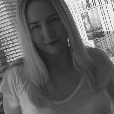 Laura Brower💫 (@laurabeess) Twitter profile photo