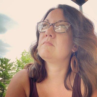 Sarah D. Henry (@MrsSarahHenry) Twitter profile photo