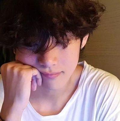 Kim Taehyung Vkiimtaehyung Twitter 1366x2048 taeheart_ image bts, taehyung hd wallpaper and background photo>. kim taehyung vkiimtaehyung twitter