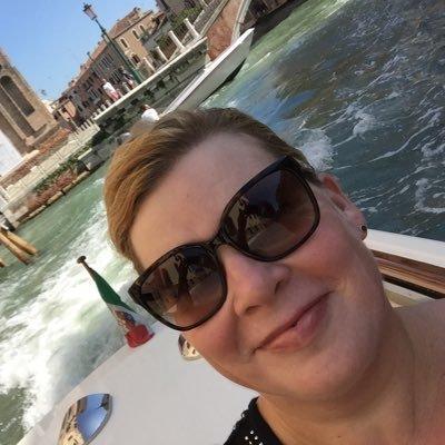 Sara Grant (@AuthorSaraGrant) Twitter profile photo