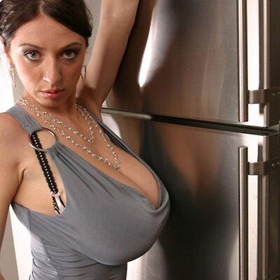Huge huge huge tits