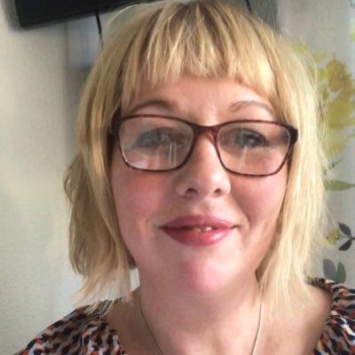 Debbie Smith (@MrsDebbiegsmith) Twitter profile photo