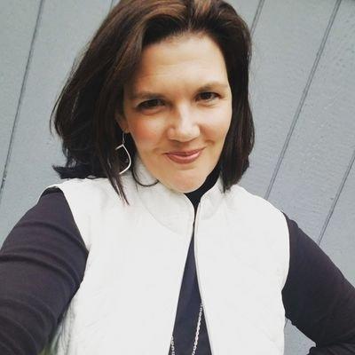 Rebecca Thal (@MrsRThal) Twitter profile photo