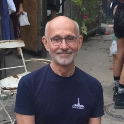 Professor of (music) theatre at CUNY Graduate Center, sometime Berliner, fulltime curmudgeon