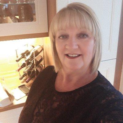 Joyce Simpson (@JoyceSi10622057) Twitter profile photo