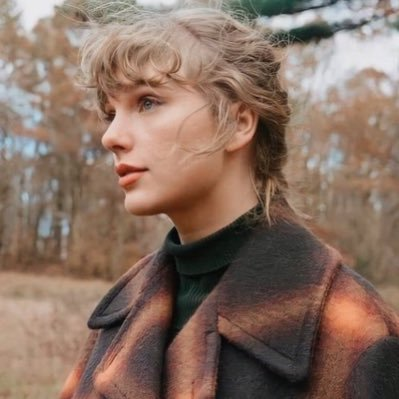 Taylor Swift Updates Simplysfans Twitter Taylor swift giveaway winner gets to choose any item under $50 from taylor's site to enter: taylor swift updates simplysfans