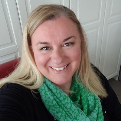 Shelley Pitzel (@teachercanuk) Twitter profile photo