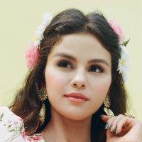 Selena Gomez ( @selenagomez ) Twitter Profile