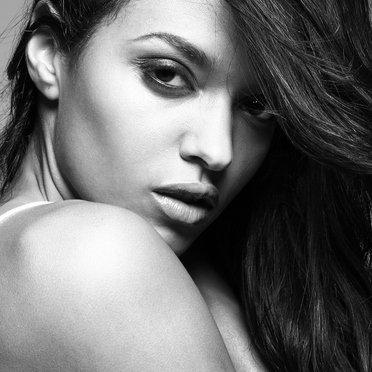 Sanya Hughes Nude Photos 74