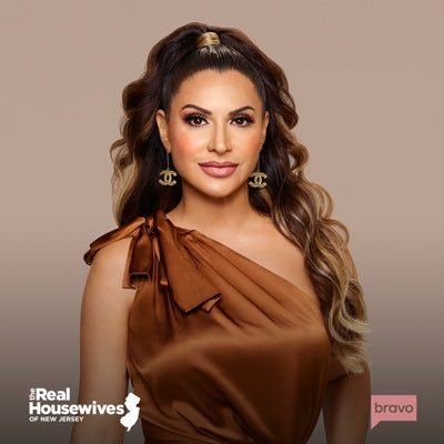 Official cast member of #RHONJ on @bravotv Married to a Plastic Surgeon 👨🏻⚕️ Mom of 5 👦🏻👩🏻👦🏻👩🏻👦🏻 American, Aramean, Armenian & Turkish