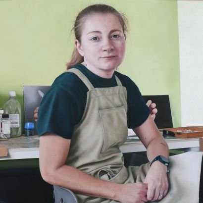 Figurative fine artist. Trying to achieve my dream of being an artist full time! And also getting into BP portrait award! DT Technician at lutterworth high