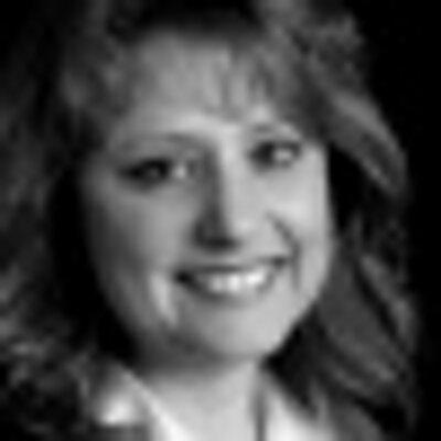 Susan M Perez (@LifelongSucess) Twitter profile photo