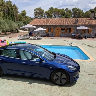 Tesla lover, Travel, Tech, Vegetarian, investor, Solar producer, farmer and Curious mind. Saving the planet one EV at a time. #supportthemission