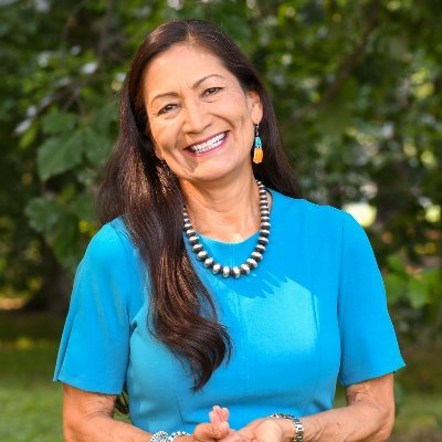 54th Secretary of @Interior, proud member - Pueblo of Laguna, 35th generation New Mexican. Working to preserve our public lands for future generations. She/Her