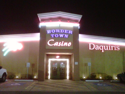 Bordertown casino twin pine casino middletown ca