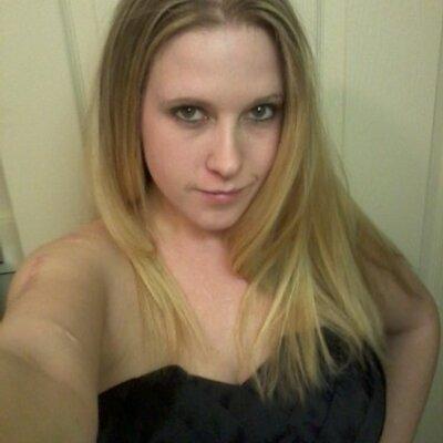 Lesbische moeder verleidt stiefdochter