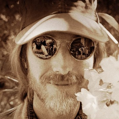 Tom Petty, Somewhere You Feel Free: The Making of Wildflowers Premiering in theatres worldwide - October 20