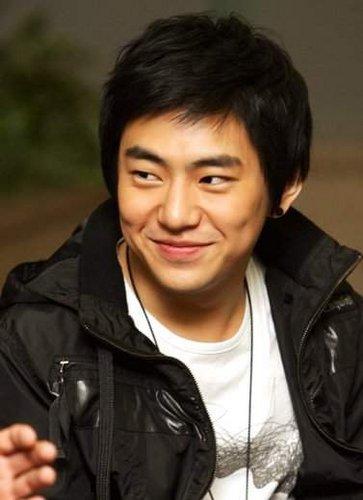 Ahn Yong-joon