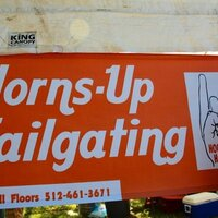 Horns-Up Tailgating | Social Profile