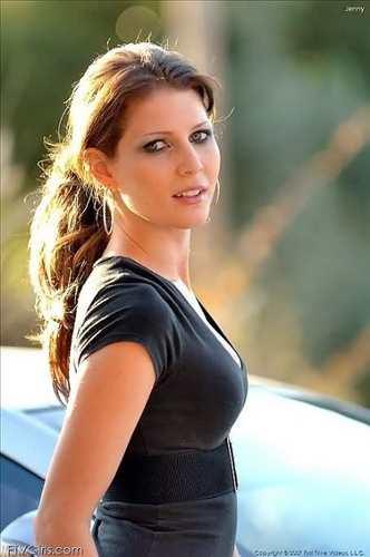 Stephanie Saddora
