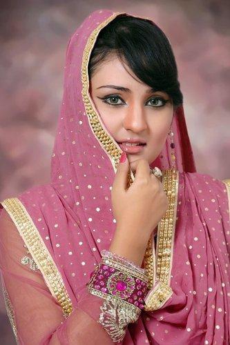 sara raza khan on twitter aaj kal tere mere payar ke charche by