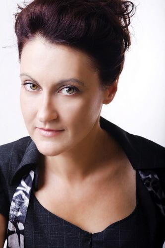Albena Azmanova