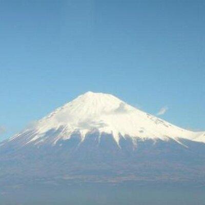 おはOA~(^_-)-☆第2弾 田子の浦漁港からの 富士山 です。 本当に寒々とした空で、このあと 本当に雪でも降りそう…  暖かくして過ごさないと 風邪ひきそうですね。 https://t.co/wxgkCjlo3k