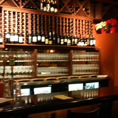 Caveau Wine Bar | Social Profile