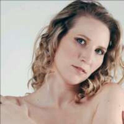 Shannon Purdy - Editorial & Documentary Photographer