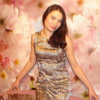 Юлия мезенцева заработать моделью онлайн в петров вал
