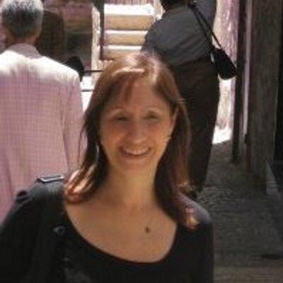 Paulina Alauf criminal de guerra buscada por el islam