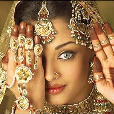 https://pbs.twimg.com/profile_images/1968927333/Aishwarya_Rai_one_eye_400x400.jpg