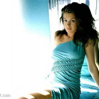 nude pics of anne hathaway
